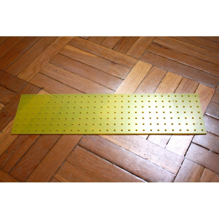YELLOW TURRET BOARD 258mm x 67mm 189 HOLES OF 2mm FOR TUBE AUDIO PROJECTS