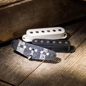 LOLLAR PICKUPS - SET OF 3 VINTAGE DIRTY BLONDE PICKUPS FOR STRATS - STAGGERED POLE