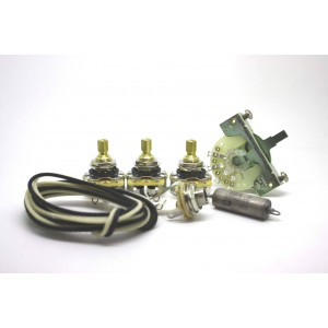 FENDER STRATOCASTER STANDARD WIRING KIT WITH K40Y-9 CAPACITOR 0.022uf AND 3 WAY SELECTOR