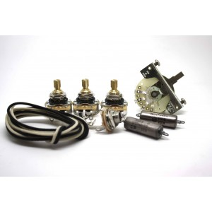 FENDER STRATOCASTER SUPER WIRING KIT WITH K40Y-9 0.022uF & 0.047uF CAPS AND 3 WAY SELECTOR